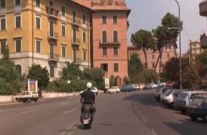 """The tour in Vespa of  Nanni Moretti in """"Caro diario"""""""