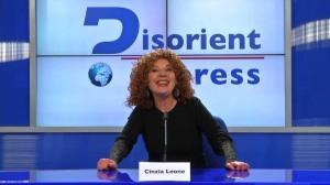 """Cinzia Leone è la presentatrice di Disorient Express, """"il primo Tg disorientativo contemporaneo, nel senso che vi dice la notizia e contemporaneamente vi dice che non è vera"""""""