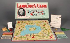 Il gioco Landlord's Game prima di diventare Monopoly (con la foto della sua inventrice, Elizabeth Magie Phillips)