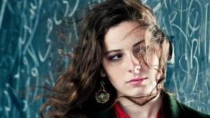 La bella protagonista di Millefeuille (2012) che sarà costretta dalla famiglia a indossare il velo