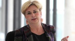 Il ministro Federica Guidi ha annunciato ieri di volersi dimettere per una questione di opportunità politica dopo l'inchiesta sul traffico e lo smaltimento illecito di rifiuti legati all'Eni di nel Viggiano, in provincia di Potenza. @ANSA