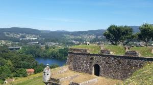 la particolarissima città fortificata di Valença che si affaccia sulla Spagna. Resistette secoli alla presa dei francesi.