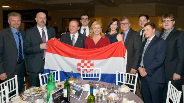 Canada la presidente croata e la bandiera fascista