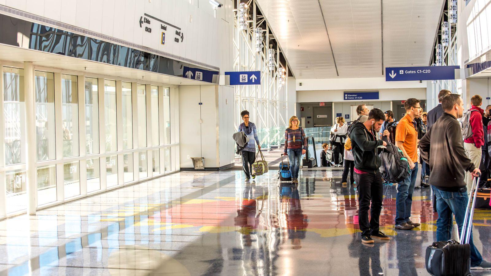 Resultado de imagem para airport