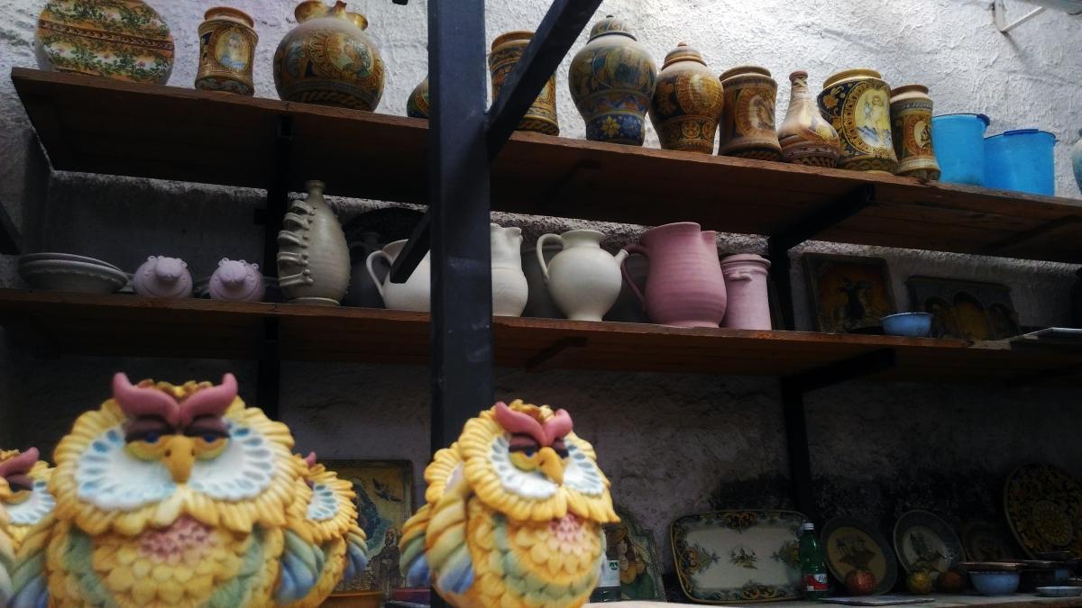 Caltagirone, la stereotipia ceramica e i suoi grandi maestri