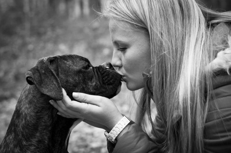 affetto tra donna e cane