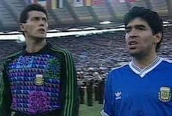 maradona fischi inno italia 90 argentina