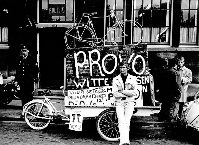 Luud Schimmelpenninkl provo bicicletta bianca